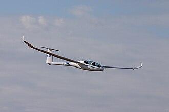 DG Flugzeugbau DG-1000 - DG-1000 with 20 metre wingspan.