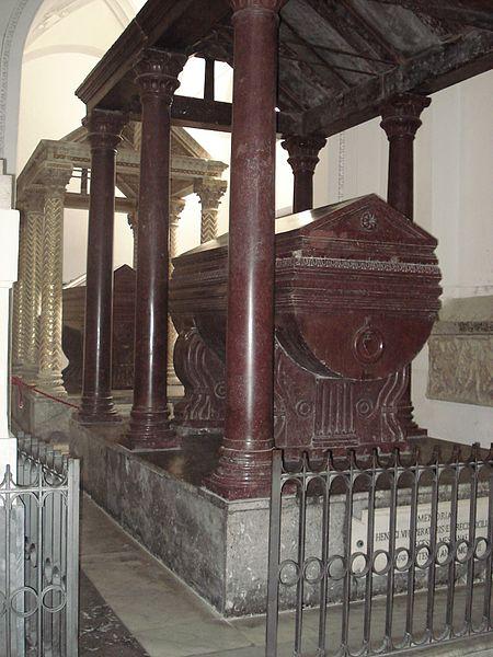 Archivo: DSC00548 - Cattedrale - Tomba di Enrico VI + 1197 - Foto G. Dall'Orto jpg.