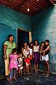 De la mano con Lucia por el Guayabal (Con su Tia y primos).jpg