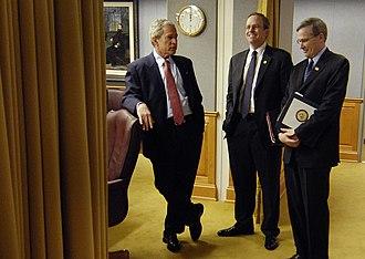 Stephen Hadley - Hadley conferring with President Bush in 2007