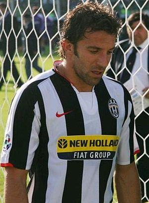 Alessandro Del Piero - Del Piero during the 2007–08 season against Fiorentina.