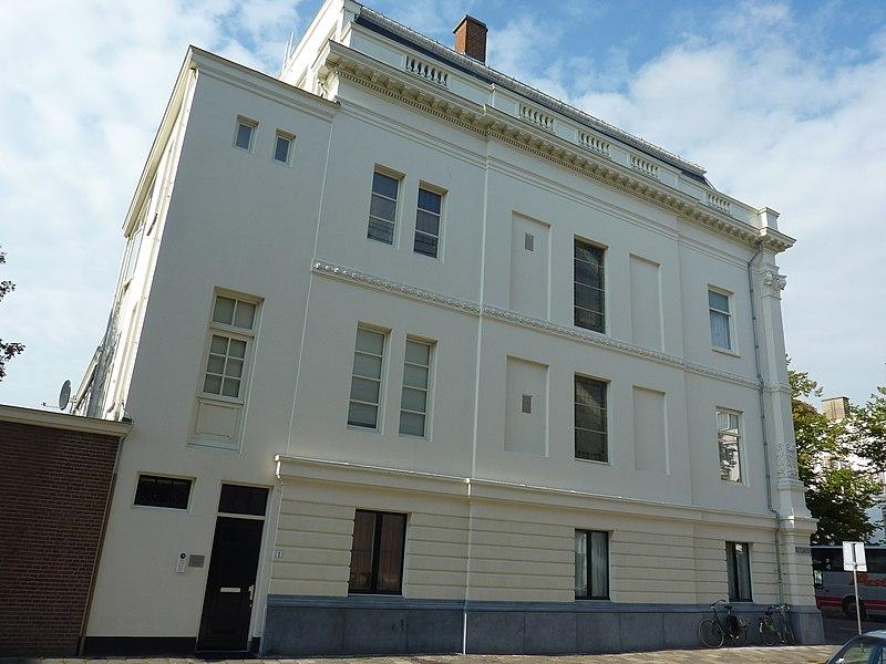 Statig woonhuis in 39 s gravenhage monument - Expressionistische architectuur ...