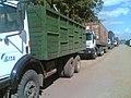 Des camions à l'entrée du port de Boma (4176676130).jpg