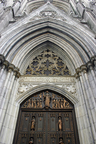 St. Patrick's Cathedral (Manhattan) - Detail of the entrance (October 2007)