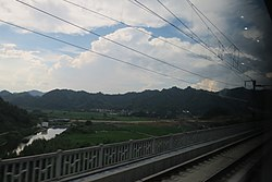 Dexing on the tracks (20150807154120).JPG