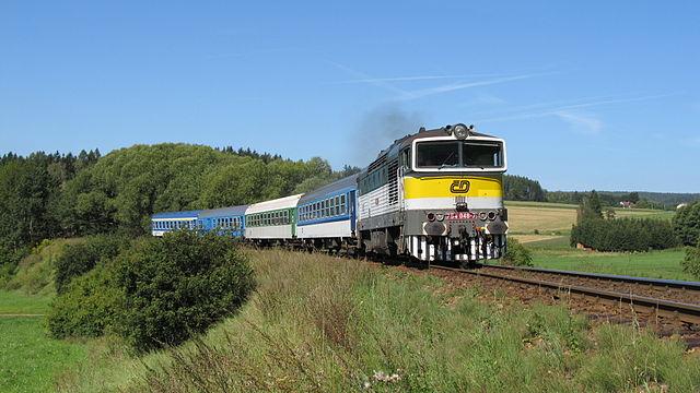 Dieselová lokomotiva 754.048-7 - R 850 Sněžka - Velké Svatoňovice-Malé Svatoňovice.JPG