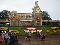 Disneyland park - Anaheim Los Angeles California USA (9893964646) (3).jpg
