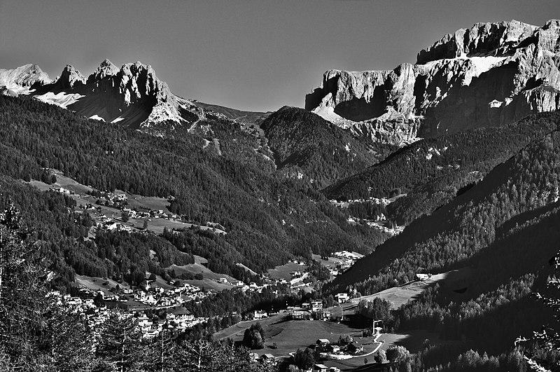 File:Dolomiti - panoramio (4).jpg