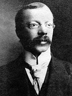 Hawley Harvey Crippen American physician, salesman, murderer