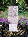 Dresden Heidefriedhof Bergander.JPG