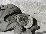 ETH-BIB-Schlafender Mann mit Turban-Kilimanjaroflug 1929-30-LBS MH02-07-0172.tif