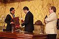El presidente Correa condecora al Embajador de Bolivia (6887992693).jpg