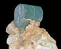 Elbaïte, quartz, orthose.jpg