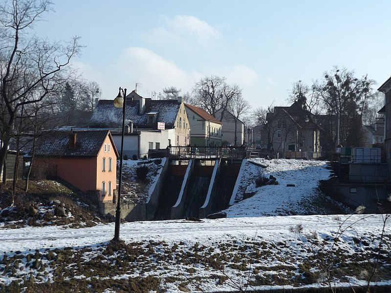 File:Elektrownia na rzece Symsarnie w Lidzbarku Warmińskim - panoramio.jpg