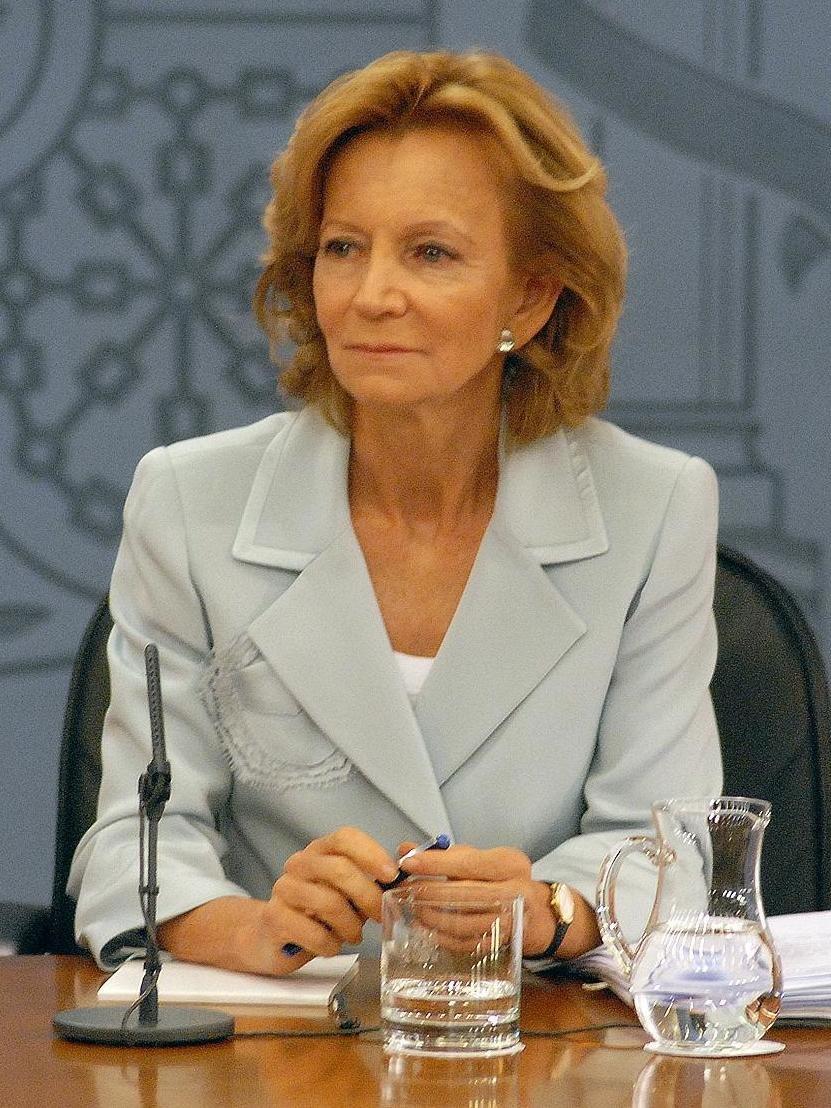 Elena Salgado, durante la rueda de prensa posterior al Consejo de Ministros (9 de octubre de 2011) (cropped)