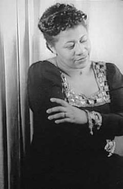 Ella Fitzgerald 1940.jpg