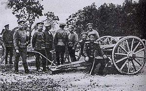 Pyotr Nikolayevich Wrangel - Wrangel and Prince Sidamon-Eristavi at a captured German cannon in 1914