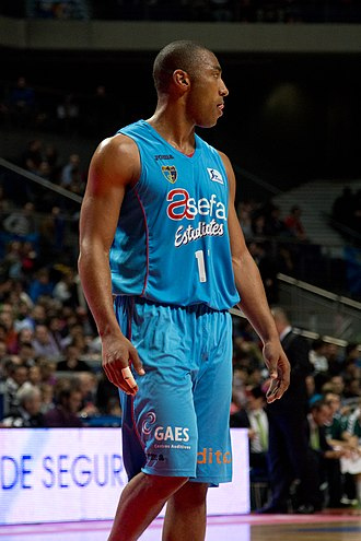 Jayson Granger - Granger playing with Estudiantes, in 2013.