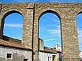 Evora Aqueduct (3921107564).jpg
