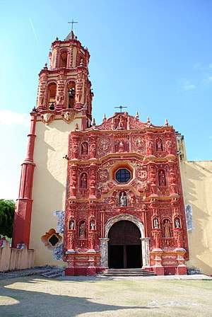 Landa de Matamoros - Facade of the Landa church