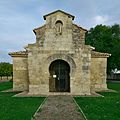 Fachada oeste de la Iglesia de San Juan Bautista (Baños de Cerrato).jpg