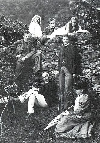 William, Prince of Wied - William with his family.