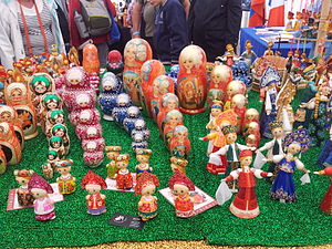 Figurines et matriochkas (1).jpg