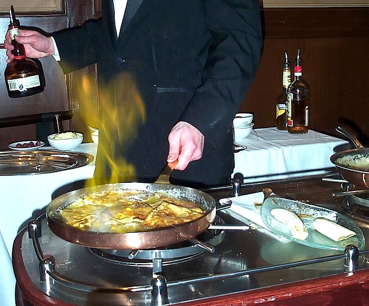 File:Flambé crepes-01.jpg