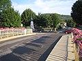 Fleurey-sur-Ouche pont du canal et monument aux morts 1.jpg