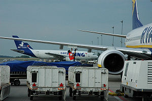 Flughafen Frankfurt Hahn Arrival.jpg