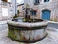 Fontaine de Saint-Urcize.jpg