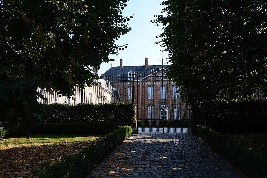 Frans-classicistisch kasteel, Alfred Algoetstraat 43, Sint-Kwintens-Lennik