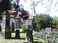 Friedhof u. Kirche in Ihlienworth.jpg