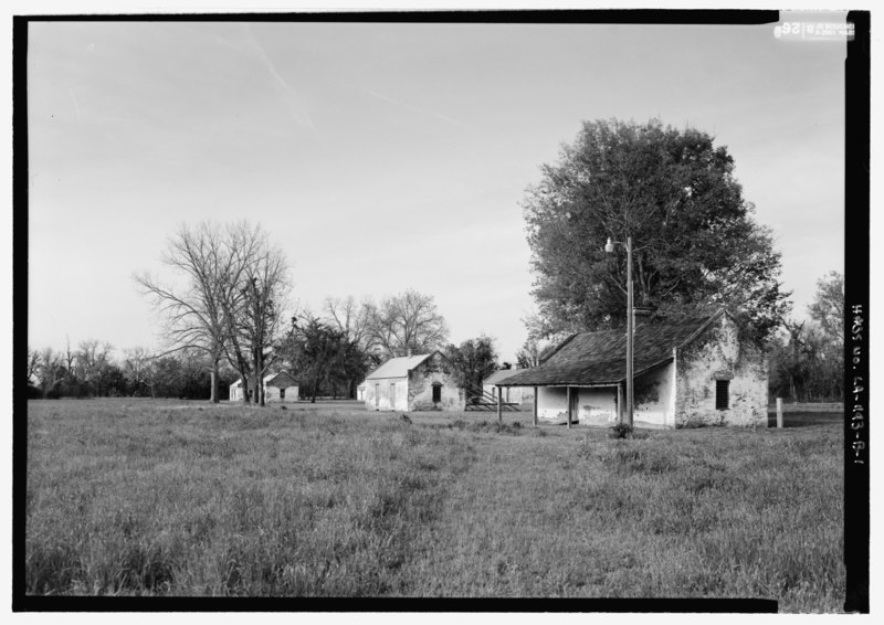 File:General view looking from the south - Magnolia Plantation, Slave Quarters, LA Route 119, Natchitoches, Natchitoches Parish, LA HABS LA,35-NATCH.V,2-B-1.tif