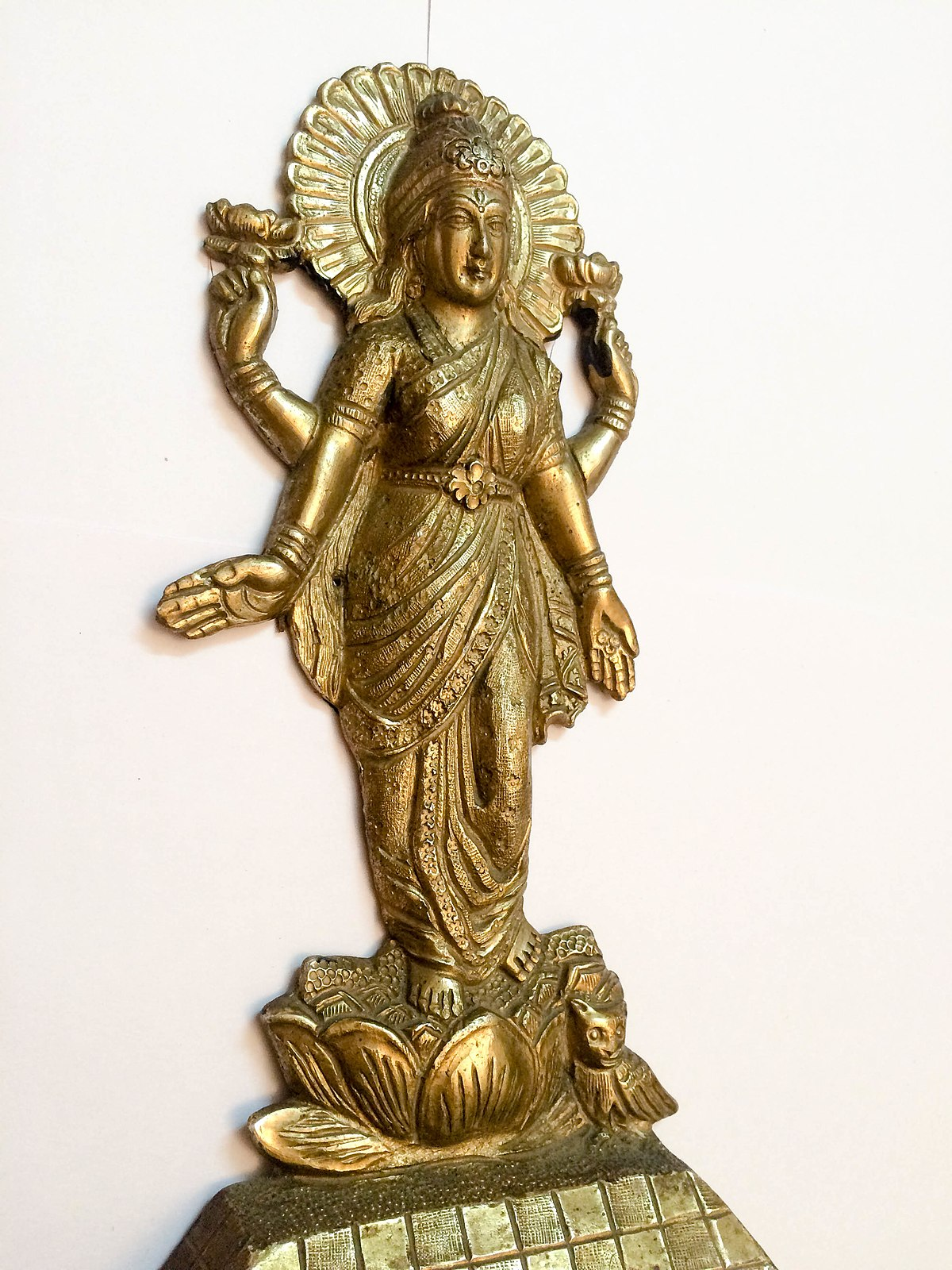 File Goddess Lakshmi Is The Hindu Goddess Of Wealth And Prosperity With An Owl As Her Animal Ride Or Vahana Jpg Wikimedia Commons