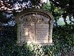 Grabmal Berta 1854-1940 und Hermann Walter 1852-1922 (Ballenstedt).jpg