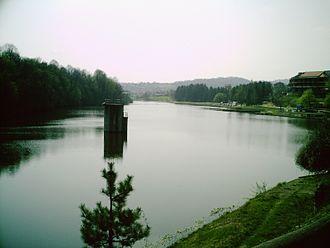 Gradačac - Image: Gradacac 11 Jezero Hazna (III)