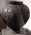Grande pyxis in bucchero, da Marsiliana d'Albegna, banditella, circolo della fibula, 675-650 ac ca. 03.JPG