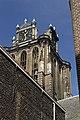 Grote kerk van uit de Dolhuissteeg, Dordrecht (12171543503).jpg