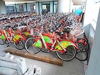 Haikou bicycle rental - thousands of bicycles in storage - 03.jpg