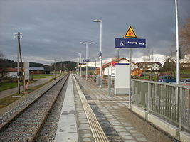 Haltepunkt Tulling Bahnsteig.JPG