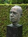 Hans Rudolf Meyer (1922–2005) Rechtsanwalt, Nationalrat, Stadtpräsident von Luzern. Bronze Büste, Grab auf dem Friedhof Friedental, Feld 10, Stadt Luzern.jpg