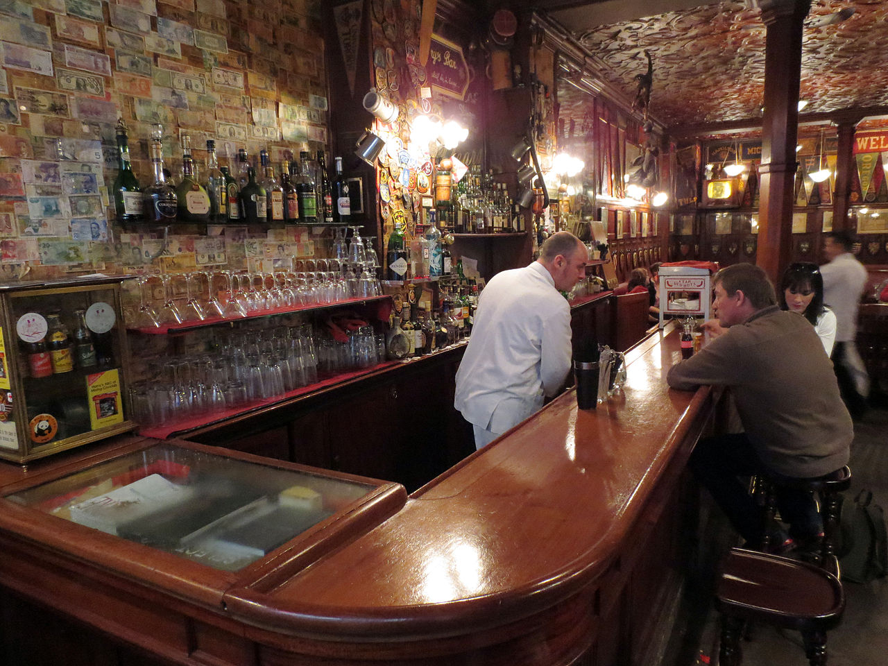 File:Harrys New York Bar 4, Paris 2012.jpg - Wikimedia Commons