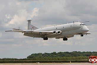 Hawker Siddeley Nimrod - Nimrod R1 XW665 landing during Waddington Airshow 2009