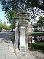 Heemraadsbrug - Middelland - Rotterdam - Stone pillar with number plate.jpg