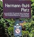 Hermann Buhl Platz an der neuen Hungerburgbahn in Innsbruck.jpg