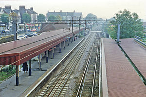 Highams Park railway station - Platform view (1995)