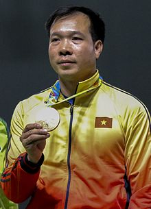 Hoàng Xuân Vinh premiato con la medaglia d'oro alle Olimpiadi di Rio de Janeiro nel 2016