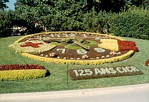 L'horloge fleurie - L'horloge fleurie in Geneva, planted for the 125th anniversary of the ICRC.