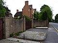 House on Chertsey Road, Chobham - geograph.org.uk - 1358297.jpg